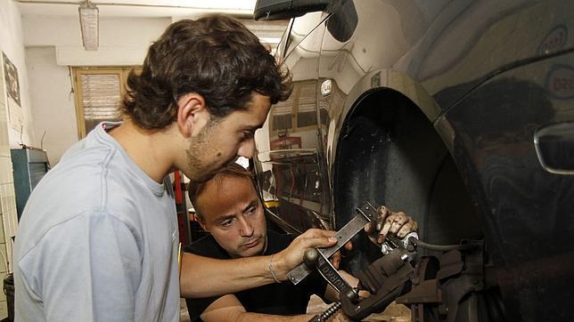 Una empresa valenciana ofrece 200 empleos de mecánico... en Holanda