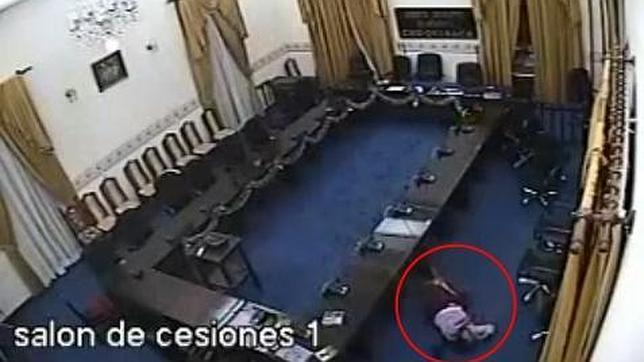 La violación de una funcionaria en un parlamento regional de Bolivia