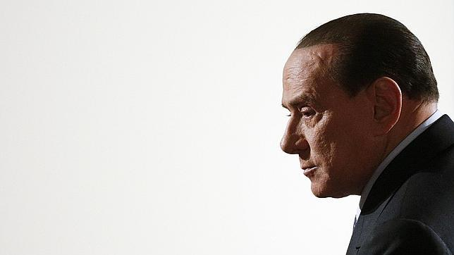 Berlusconi no descarta pactar con Bersani, pero rechaza hacerlo con Monti