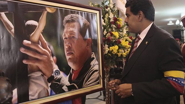 Maduro, seguro de su victoria electoral, prevé viajar a China tras los comicios