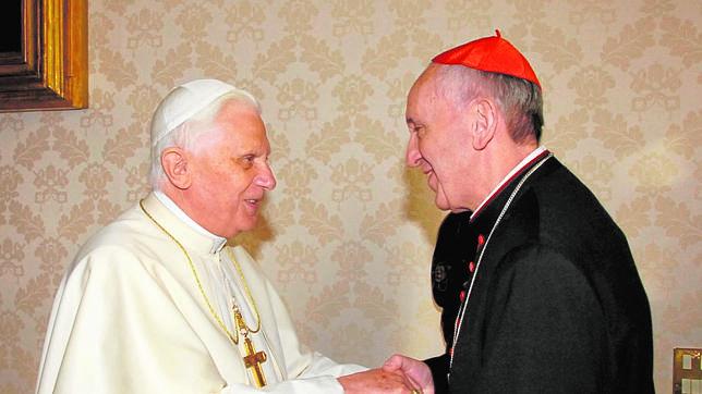 El Papa Francisco visitará el sábado 23 de marzo en Castel Gandolfo a Benedicto XVI