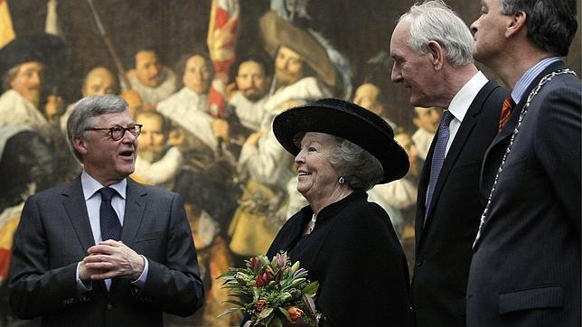 La Reina Beatriz de Holanda, durante la inauguración de la exposición
