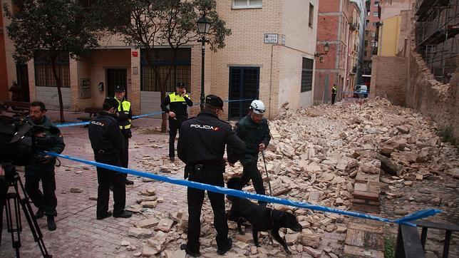 Se derrumba una parte de la muralla medieval de Zaragoza