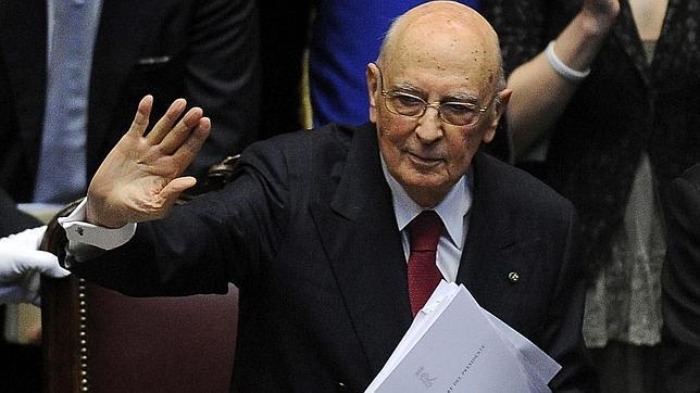 Giorgio Napolitano reprende a la clase política en su jura como presidente de Italia