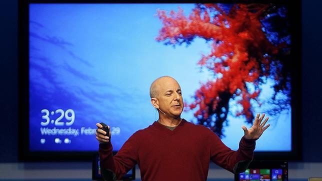 Sinofsky: «Es raro ver 100 millones de Windows 8 vendidos y no sentirme bien»