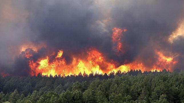 Un voraz incendio arrasa Colorado