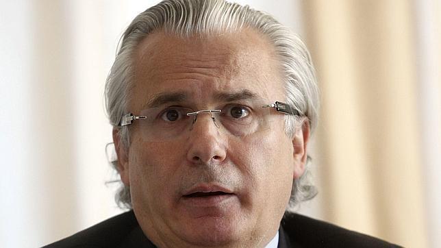 El ex juez Baltasar Garzón podría defender al «soplón» de la CIA Edward Snowden