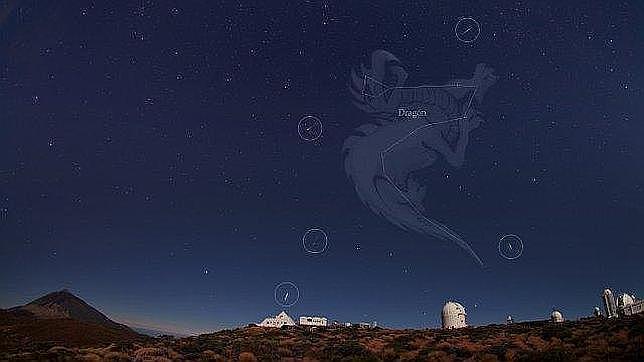 El cielo, sobre el Observatorio del Teide, una noche de Dracónidas