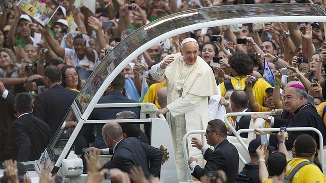 Río abraza al Papa