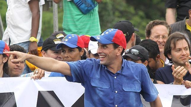 Henrique Capriles no descarta una Asamblea Constituyente en 2014
