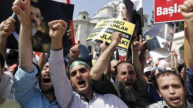 Manifestación en apoyo de Mursi, el pasado 14 de agosto en Estambul
