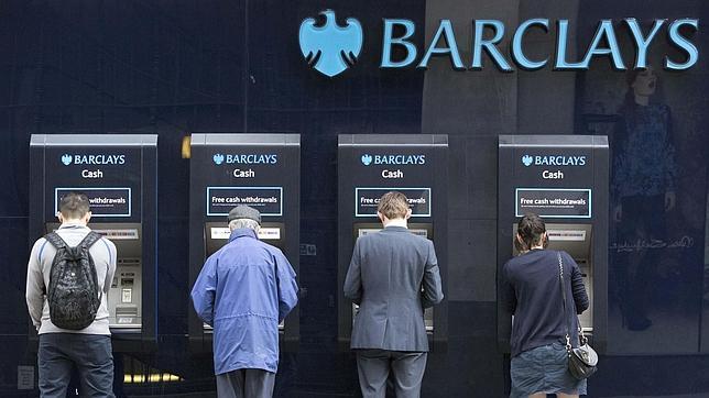 Los principales bancos británicos deberán pagar hasta 1.550 millones por abusos en la venta de seguros