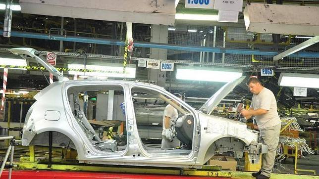 Volkswagen lidera las ventas, pero Dacia crece más del 43% en agosto