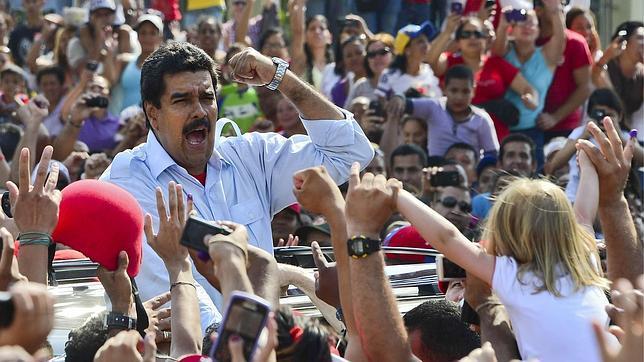 Ofrecen 100.000 dólares de recompensa por la partida de nacimiento de Maduro