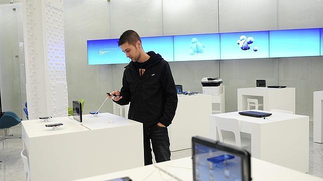 Telefónica elimina la permanencia de sus contratos móviles