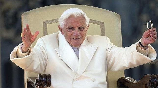 Benedicto XVI sigue respondiendo las cartas que le llegan a Mater Ecclesiae