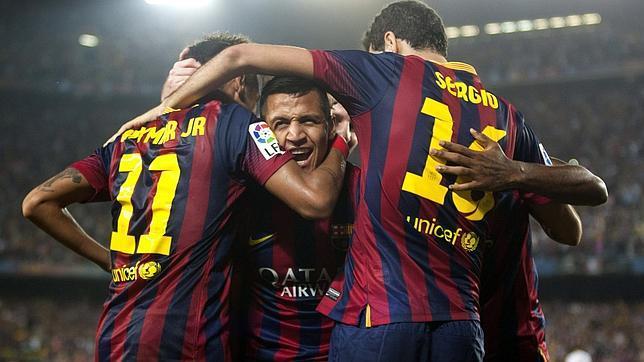 Un Real Madrid sin ideas se queda a seis puntos del Barcelona (2-1)