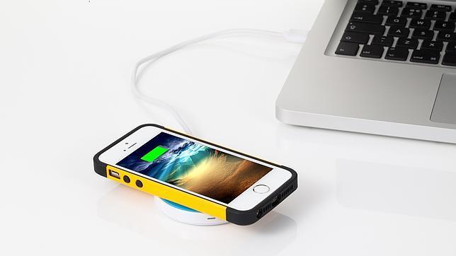 a4383cb5e89 Un cargador inalámbrico para iPhone tan fino como una lámina de plástico