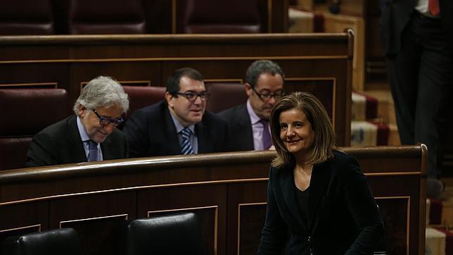 Báñez cree que los datos de empleo «apuntan a una paulatina recuperación»