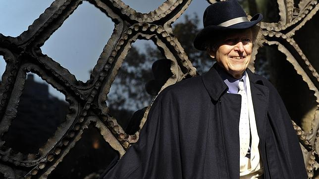 Tom Wolfe, ante las puertas de La Pedrera