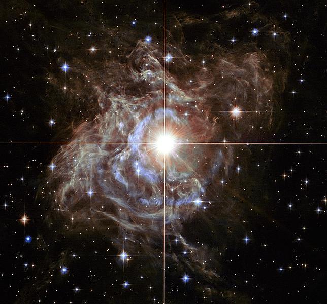 El Hubble fotografía una estrella 15.000 veces más brillante que el Sol