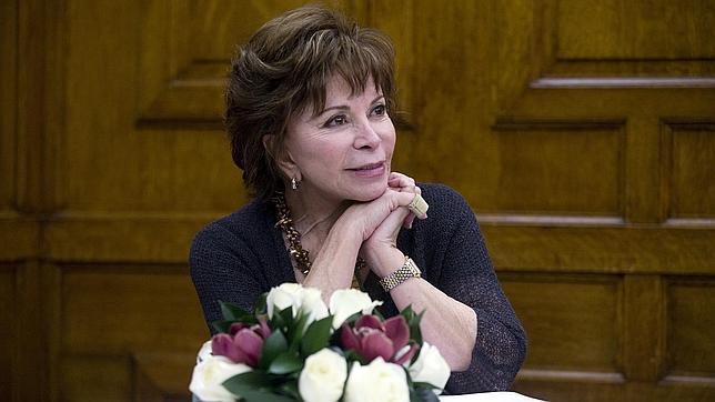 Isabel Allende: «La gente joven tiene miedo al libro de papel»