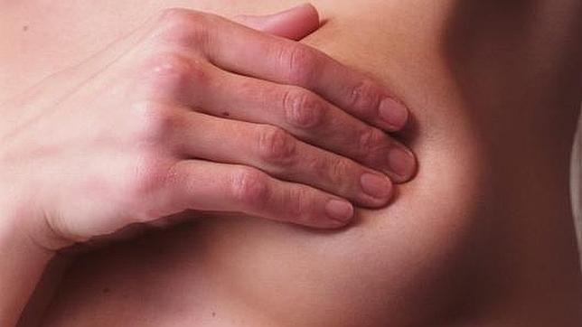 El tabaco aumenta el riesgo de cáncer de mama en jóvenes