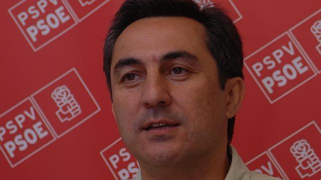 Un edil condenado por conducir ebrio gana el Miguel Hernández de poesía
