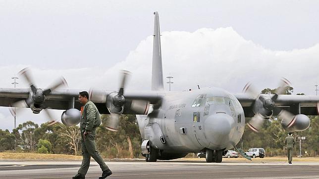 Encontrar las cajas negras del avión malasio, un objetivo cada vez más lejano