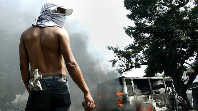 Un manifestante opositor, durante una protesta en San Cristóbal (Táchira)