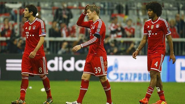 Los jugadores del Bayern, tras la derrota