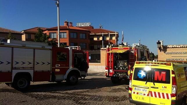 Desalojan a 90 ancianos de una residencia  en Navalcarnero por un incendio