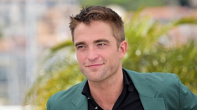 Robert Pattinson planea sacar a la venta un disco