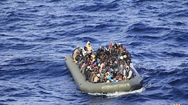 Más de cien niños llegan en patera a las costas de Sicilia