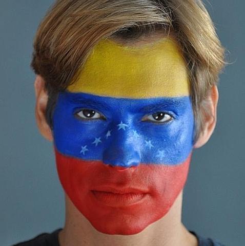 Carlos Baute, atacado por Nicolás Maduro