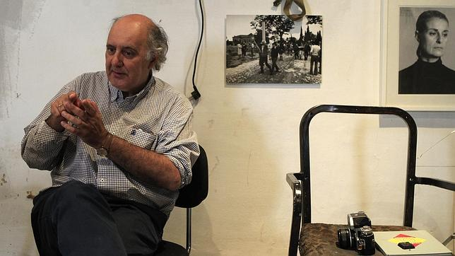 Eduardo Momeñe: «La fotografía es un lenguaje muy primitivo. Me recuerda el lenguaje de los indios con el humo»