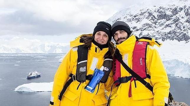 Sara y JAAC, autores del blog de viajes SaltaConmigo