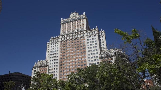 La fachada principal del mítico edificio España