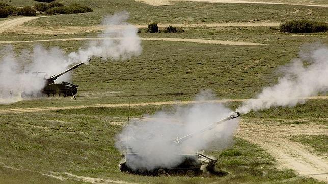 Carros de combate durante unas maniobras en «San Gregorio»
