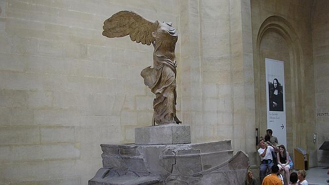 callejón demandante Establecimiento  La diosa que preside el Louvre y que inspiró la marca Nike