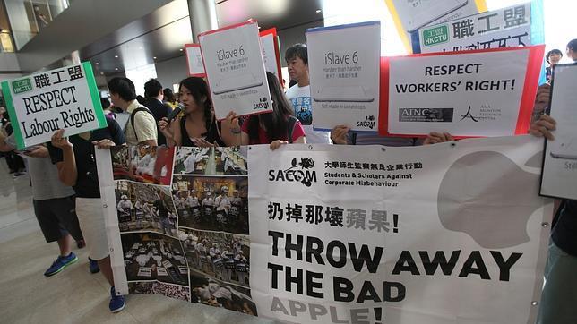 85480ae9e92 Móviles Estudiantes en Hong Kong protestando por la violación de derechos  laborales en China