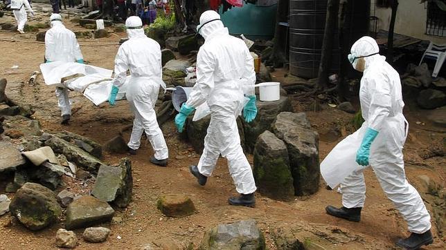 Sierra Leona bate el récord de muertes por ébola en un día con 121 decesos