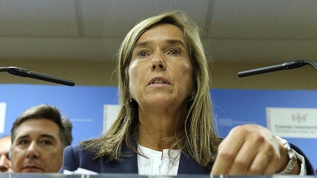 Mato ha anunciado que se van a reforzar las protocolos frente al ébola