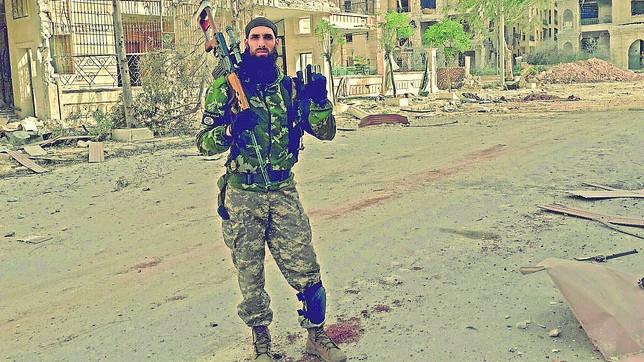 Omar Yilmaz en una fotografía como miembro del Estado Islámico