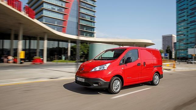 La Nissan e-NV200 completamente eléctrico se beneficia de la máxima subvención de la CAM a la compra de furgones en 2015.