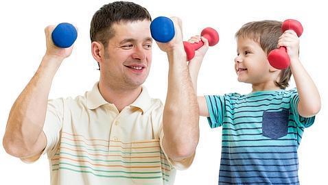 Estas son las tareas que debes exigir a tu hijo según su edad