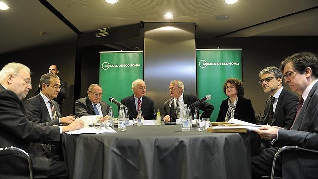 Algunos de los participantes en los paneles de expertos y empresarios celebrados ayer en Barcelona