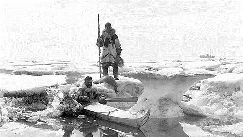 Los inuit producen más calor corporal para sobrevivir en el frío (Lomen Brothers)