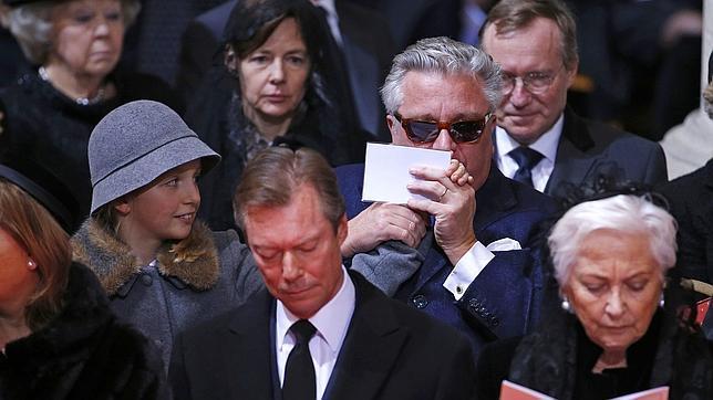 El hermano del Rey Felipe, con gafas de sol, durante el funeral por la Reina Fabiola, en diciembre del pasado año