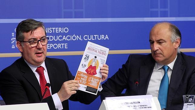 Fernando Benzo, junto a Marcial Marín, en la presentación del Congreso de Tauromaquia